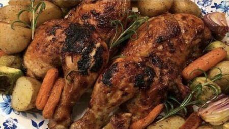 الثلاثاء العشاء دجاج مشوي مع خضار مشوي